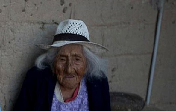 Julia Flores Colque  la mujer más longeva del mundo