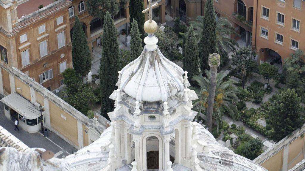 Miles de huesos en el Vaticano encontrados
