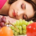 mujer frutas