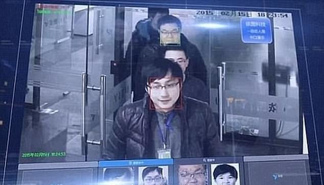 Asombrosa cámara en China ha utilizado la controvertida tecnología en centros comerciales y aeropuertos.