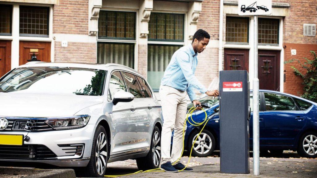Una ciudad de autos eléctricos. Ámsterdam planea ser la primera