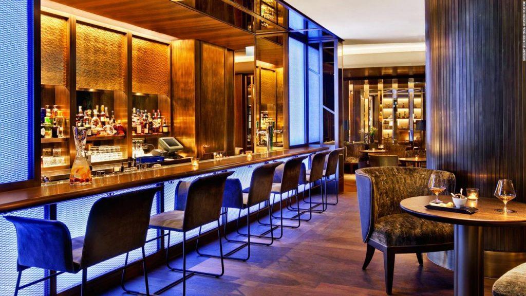 Blue Fox The Bar tiene su sede en Kempinski, en el centro de Budapest.