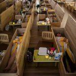 Ataudes donde los surcoreanos experimentan sus propios funerales
