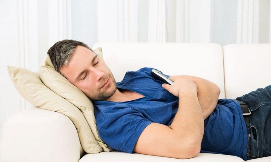 Dormir en le sofá