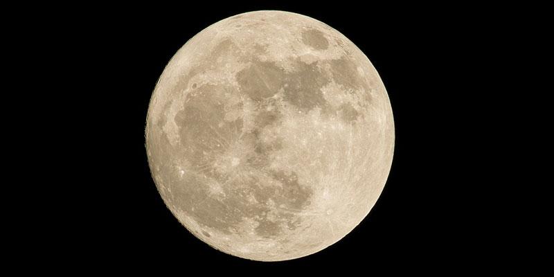 Luna grande de marzo