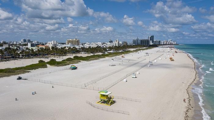 Playa completamente decierta
