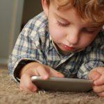 uso_telefono_por_niños_perjuicios