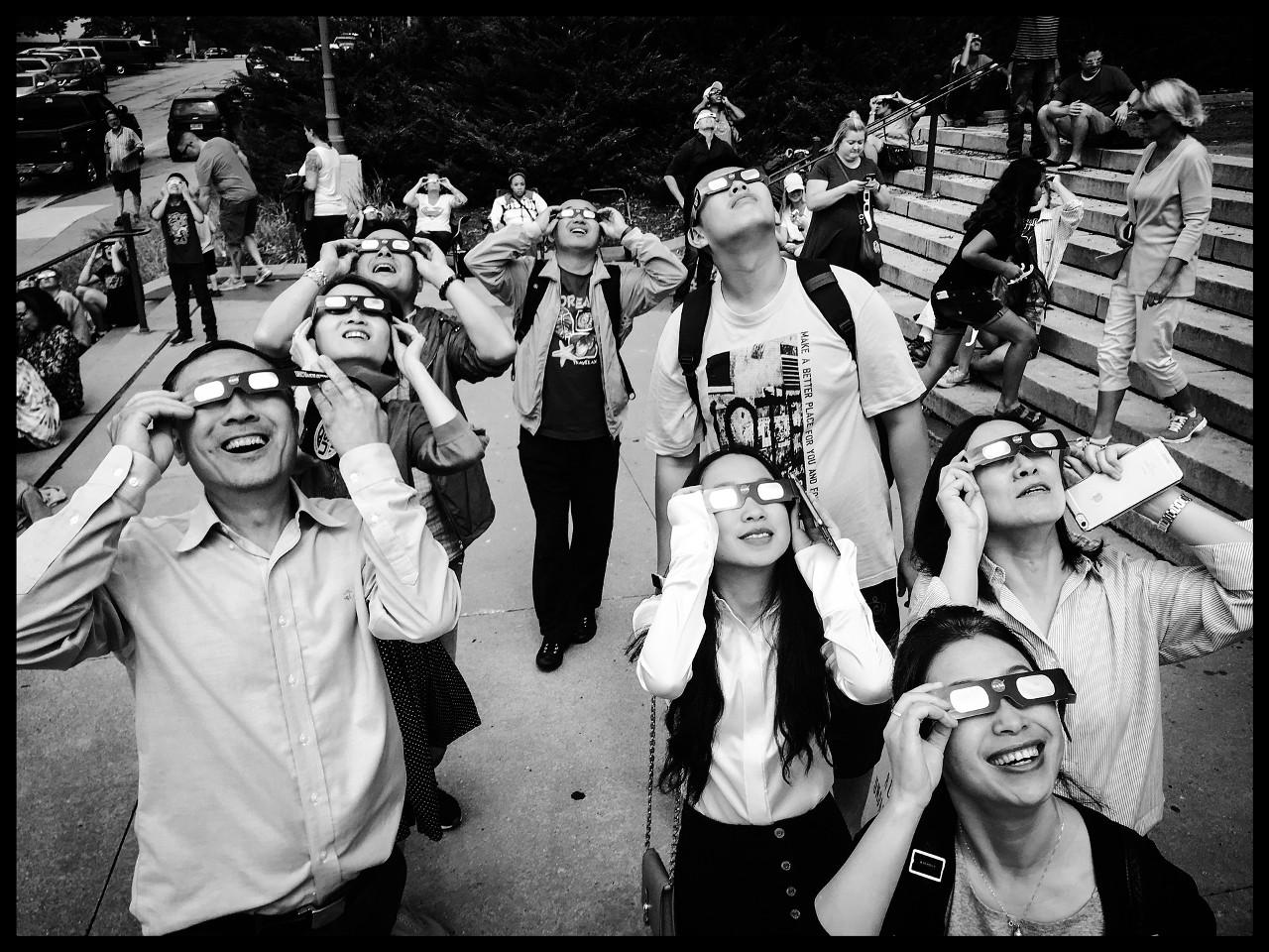¿Cómo ver el eclipse solar si no vivo en África o Medio Oriente?.