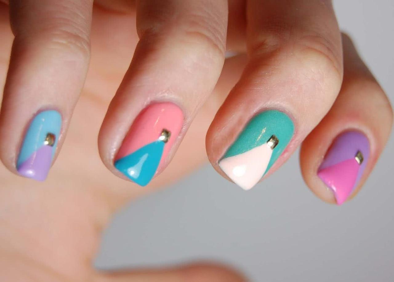 El lila, el color más popular en los modelos de uñas