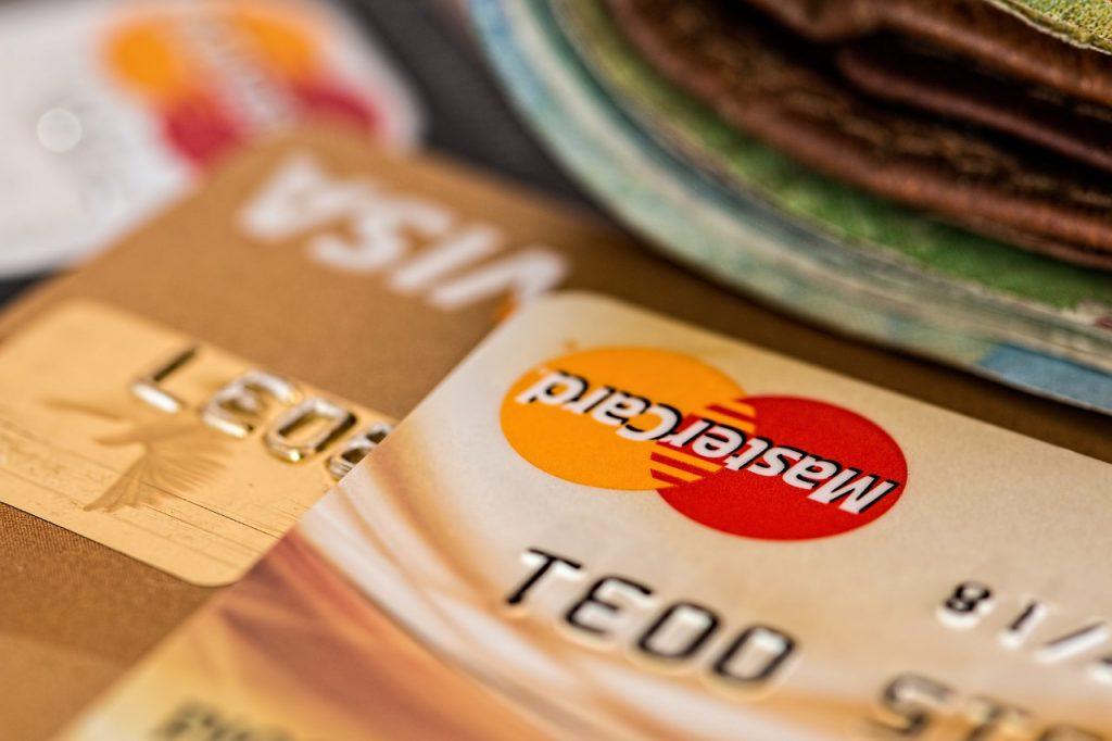 ¿En qué consisten las tarjetas de crédito para viajar?