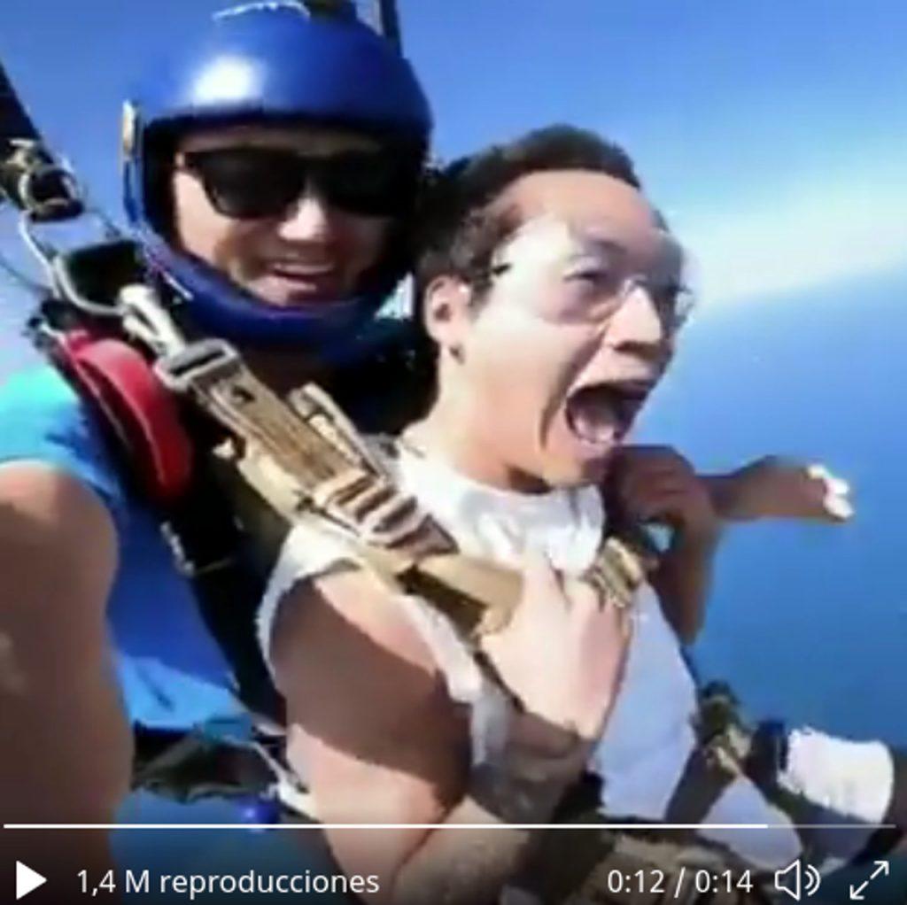 ¿Qué muestra el vídeo del desmayo en el paracaídas?