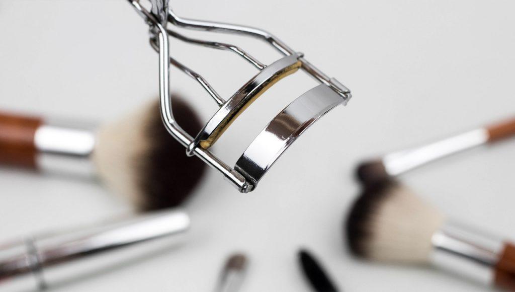 Alargar pestañas y cuidarlas: modera el uso de tu rizador