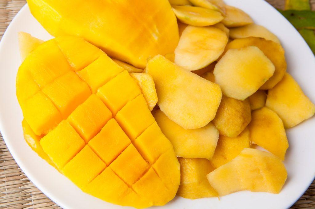 pelar y cortar frutas 1