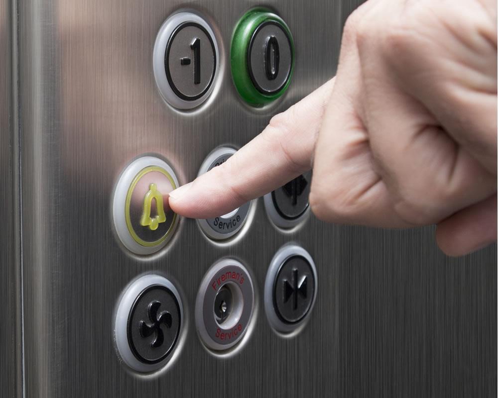 encerrado en un ascensor 2