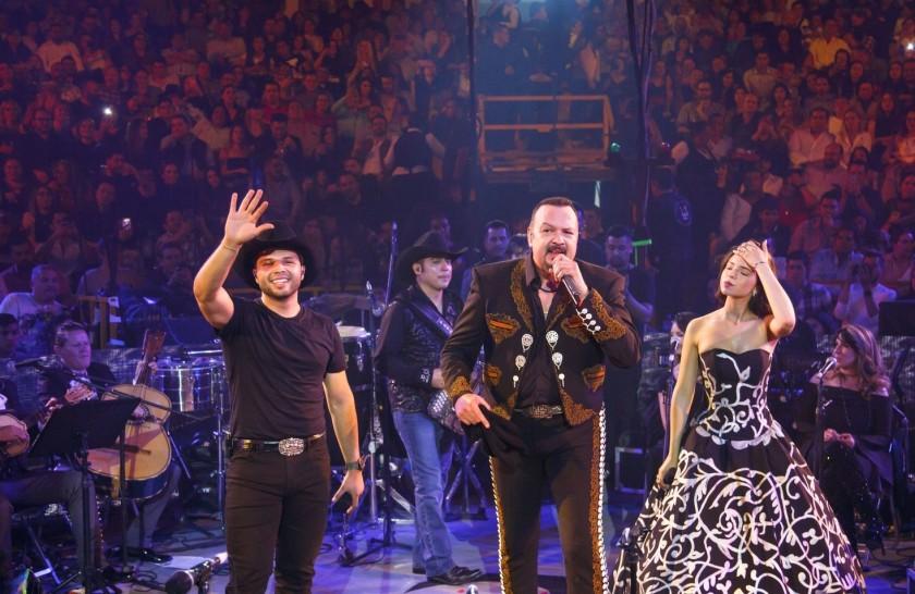 famosos que ya cantaron con sus hijos