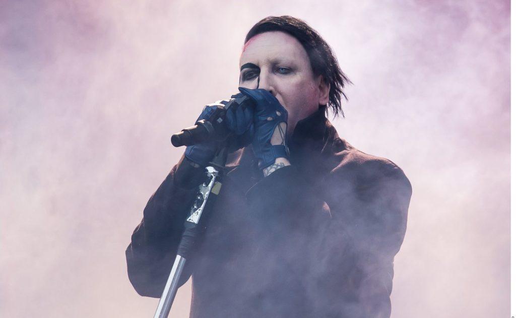 Marilyn Manson se entrega a las autoridades 4