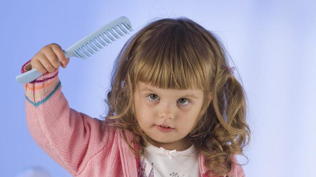 Niño infestado de piojos 2