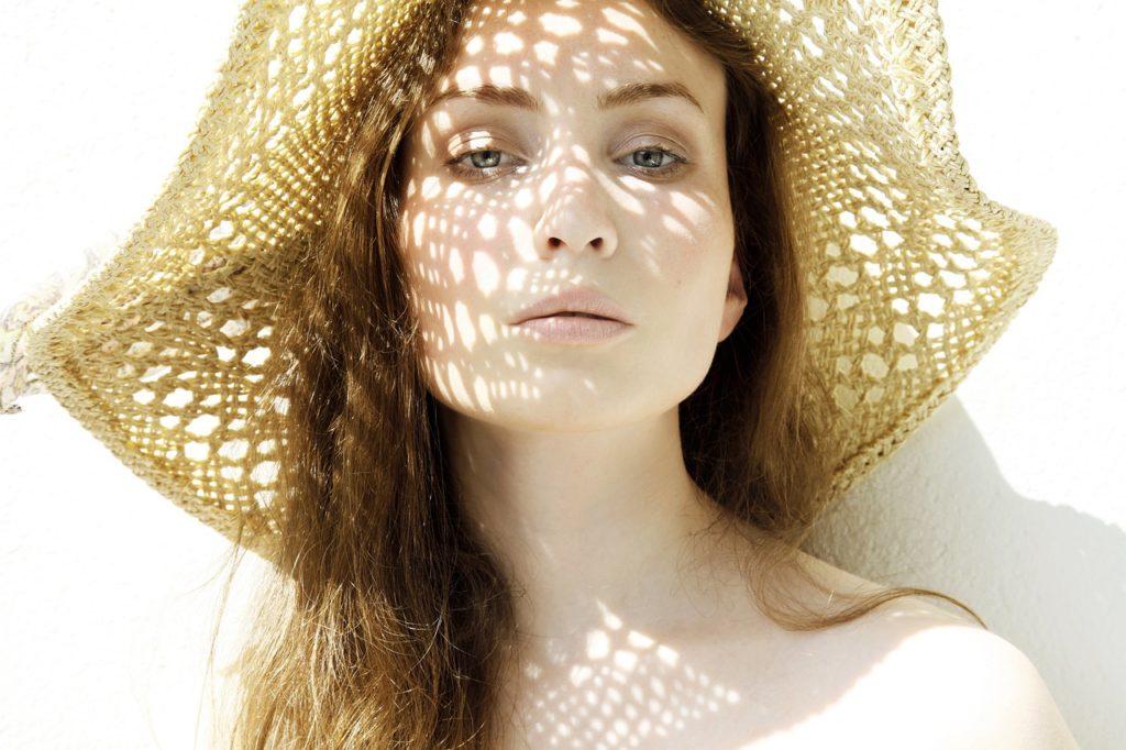 beneficios que aporta un sombrero a tu imagen