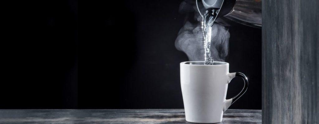 beber agua caliente 4